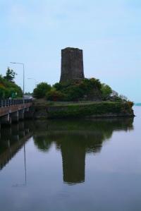 Tower in Wexford, Ireland, 2008. (Courtesy Ian Murphy; public domain in the U.S.)