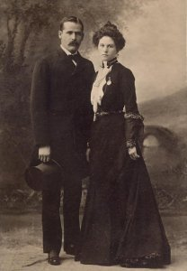 The Sundance Kid and his wife, Etta Place, in 1901 (Courtesy Wikimedia Commons).