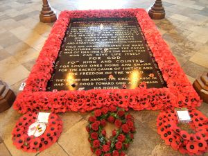 Tomb of the Unknown Warrior, Westminster Abbey, London (Courtesy Wikimedia Commons).