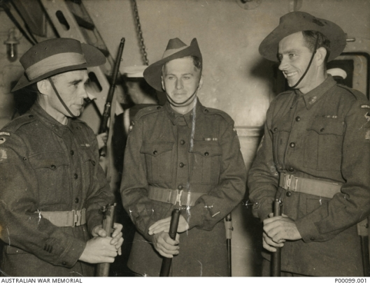 Three Australian soldiers, all winners of the Victoria Cross, 1946 (Courtesy Australian War Memorial; public domain).