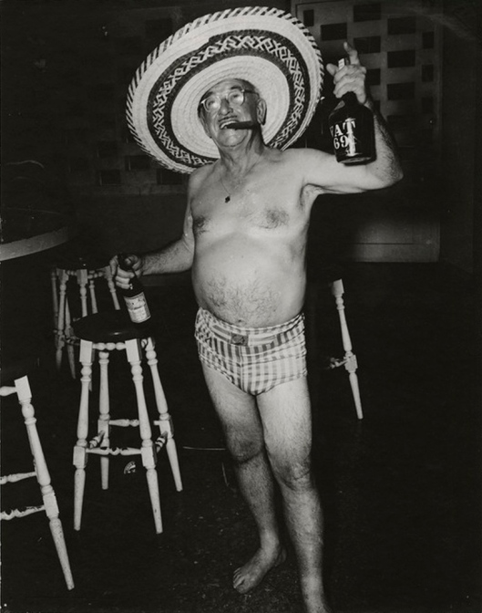 "Constantino Arias's photo, titled, ""The Ugly American,"" of a tourist in Batista's Havana, 1950s (Courtesy Wikimedia Commons; public domain)."