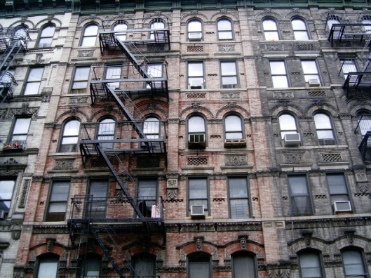 Lower East Side tenements as they appeared in 2004 (Courtesy Wikimedia Commons).